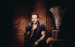 Картинка фотограф, актер, полумрак, фотосессия, Chris Pratt, для фильма, Мир Юрского периода, Jurassic World, Крис Пратт, …