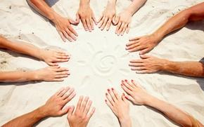 Картинка песок, солнце, круг, руки, дружба, команда, пальцы, ногти
