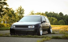 Картинка volkswagen, wheels, black, golf, tuning, front, face, germany, low, stance, mk4