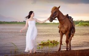 Картинка озеро, конь, лошадь, платье, прогулка, азиатка