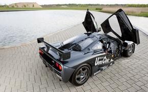 Картинка пейзаж, черный, McLaren, бассейн, двери, дорожка, сзади, gtr, гоночный, открыты
