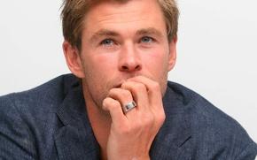 Картинка Крис Хемсворт, Chris Hemsworth, пресс-конференция, Мстители:Эра Альтрона
