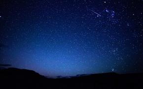 Обои небо, звезды, горы, ночь, след, метеор