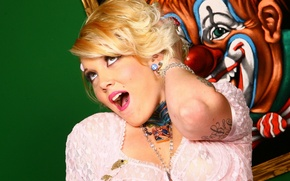Картинка пирсинг, клоун, тату, блондинка, порно актриса, Candy Monroe