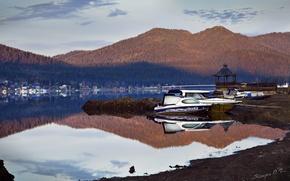 Картинка вода, пейзаж, горы, природа, гладь, рассвет, земля, берег, лодка, утро, яхта, алтай