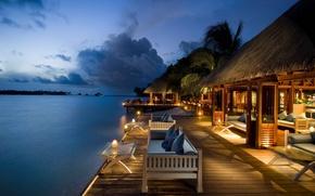 Картинка море, небо, пальмы, вечер, свечки