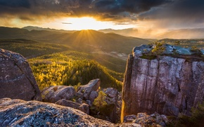 Картинка солнце, лучи, свет, камни, скалы, долина