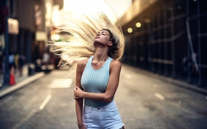 Картинка девушка, улица, волосы, взмах, Kristin, Natural Light