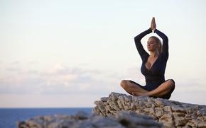 Картинка океан, скалы, медитация, Jordan Carver, Йога, поза лотоса