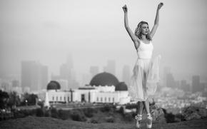 Обои город, танец, платье, балерина, пуанты, Beautiful ballet
