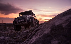 Обои mercedes-benz, g63, 6x6, amg, front, sunset, smoke, ligth, sky