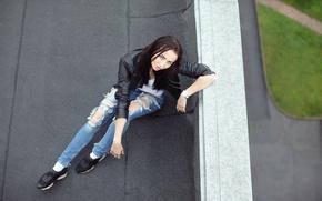 Картинка крыша, взгляд, девушка, лицо, волосы, джинсы, куртка, Vika