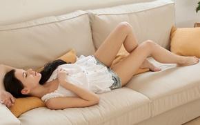 Картинка model, brunette, girl.sleep.couch