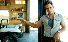 Картинка авто, гараж, актер, рубашка, жест, фотосессия, Chris Pratt, Крис Пратт, Peggy Sirota
