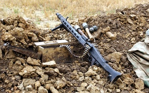 Картинка оружие, ящик, MG-42, гранаты, пулемёт, патронная лента
