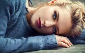 Обои photo, ring, face, girl, photographer, blue eyes, Eva Mikulski, blond, Lods Franck, mouth, lipstick, sweater, ...