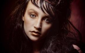 Обои глаза, девушка, макияж, корона, лицо, стиль, взгляд, портрет