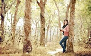девушка,лес,книга обои