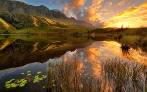 Картинка небо, трава, вода, солнце, облака, озеро, Горы