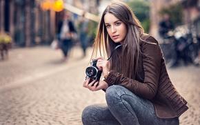 Картинка girl, photo, eyes, photographer, camera, model, beauty, lips, face, brunette, portrait, Emilie, Lods Franck