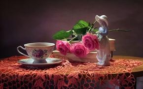 Картинка розы, девочка, чашка, статуэтка, натюрморт, салфетка