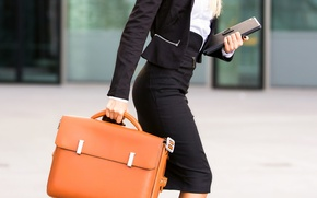 Обои leather briefcase, elegant clothes, fashion