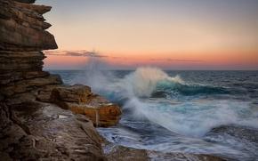 Картинка море, волны, закат, брызги, скалы, прибой
