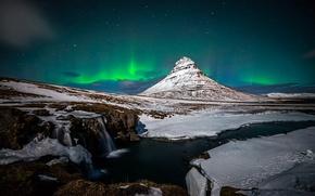 Картинка вулкан, гора, Kirkjufell, снег, зима, водопад, северное сияние, Январь, ночь, Исландия, скалы
