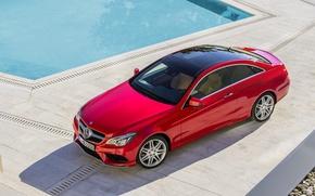 Обои mercedes-benz, e-class, coupe, красный, вид сверху