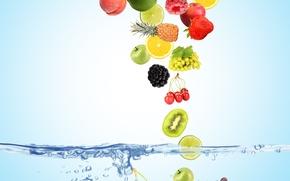 Обои вода, пузырьки, вишня, ягоды, малина, фон, голубой, лимон, яблоки, кокос, киви, клубника, виноград, сверху, лайм, ...