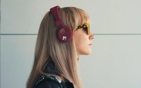 Картинка девушка, наушники, актриса, очки, блондинка, профиль, Saoirse Ronan, Сирша Ронан, How I Live Now