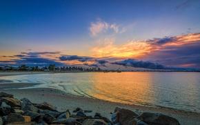 Картинка небо, вода, облака, свет, камни, Пляж