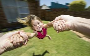 Картинка радость, смех, вращение, руки, девочка