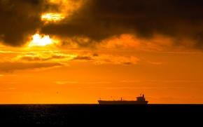 Картинка Закат, Солнце, Облака, Море, Корабль, Тучи, Clouds, Sun, Sunset, Sea, tanker, Танкер, Ship