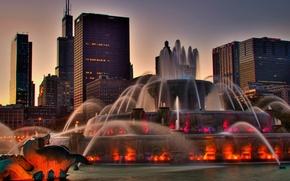 Картинка город, дома, вечер, подсветка, Чикаго, фонтан, США, Иллиноис