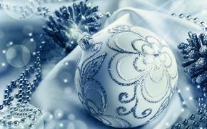 Картинка блики, новый год, шар, серебряный, бусы, шишки