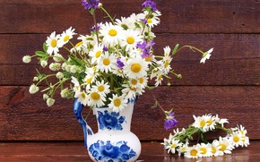 Картинка ромашки, кувшин, венок, полевые цветы