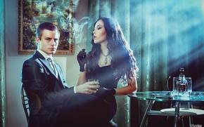 Обои комната, картина, бутылка, сигарета, парень, перчатки, столик, шторы, пара, дым, брюнетка, платье, девушка, лучи света, ...