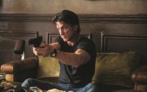 Картинка pistol, wall, weapon, wood, charger, tatoo, sofa, butt, rifle, table, clock, ammunition, Sean Penn, ammo …
