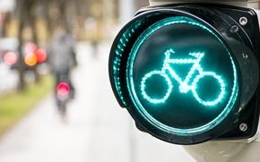 Картинка велосипед, фон, обои, размытие, светофор, wallpaper, разное, широкоформатные, background, дорожный знак, боке, полноэкранные, HD wallpapers, …