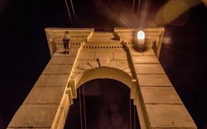 Картинка свет, ночь, фонарь, арка, архитектура