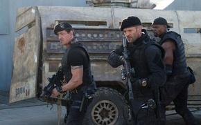 Картинка оружие, солдаты, Сильвестр Сталлоне, автоматы, Jason Statham, Sylvester Stallone, Джейсон Стэйтем, The Expendables 2, Неудержимые …