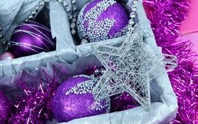Картинка зима, дождик, шарики, коробка, шары, игрушки, звезда, Новый Год, Рождество, фиолетовые, декорации, мишура, Christmas, звёздочка, ...