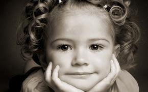Картинка портрет, девочка, ребенок, улыбка, лицо, глаза, волосы