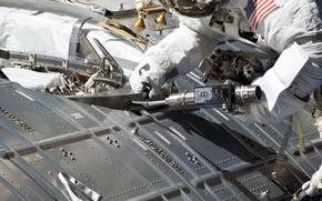 Картинка фото, космонавт, NASA, МКС, ремонт, астронавт