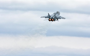 Обои взлет, истребитель-перехватчик, миг 31, облака