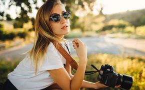 Картинка лето, девушка, камера, очки, фотоаппарат