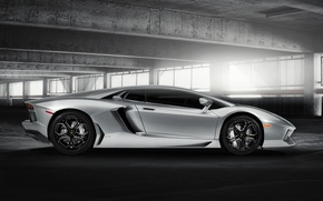 Картинка здание, Lamborghini, серебристый, блик, ламборджини, LP700-4, Aventador, ламборгини, авентадор, silvery, LB834