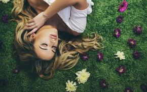 Обои цветы, Flowers that grow in the rain, Amy Spanos, девушка, бутоны
