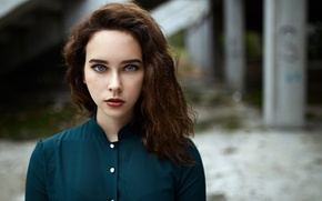 Картинка взгляд, девушка, милая, портрет, макияж, помада, веснушки, light, рыжая, рубашка, красивая, прелесть, young, голубоглазая, beautiful, …